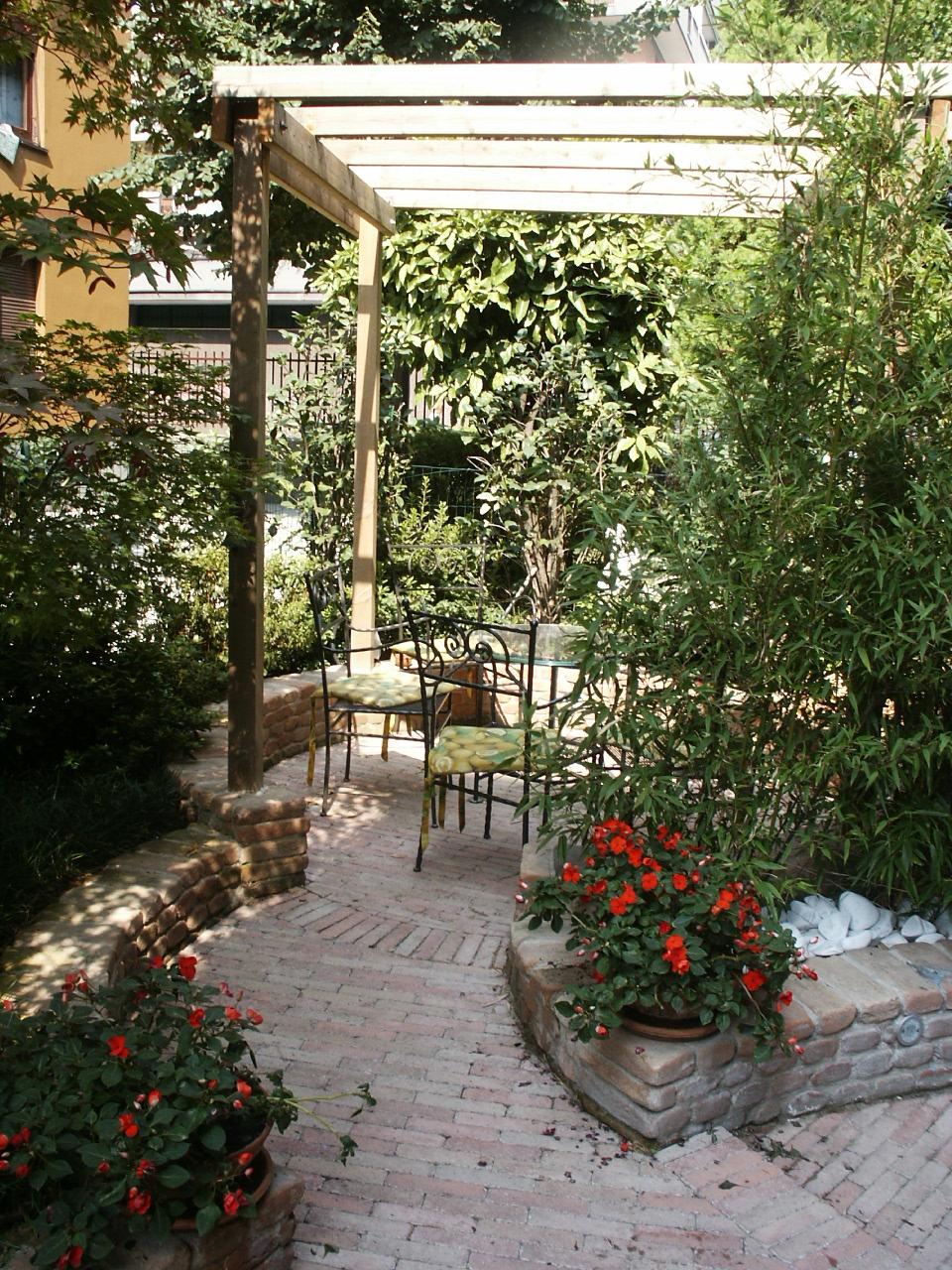 Giardinieri milano gallery fotografica fratelli - Arredi per giardini e terrazzi ...